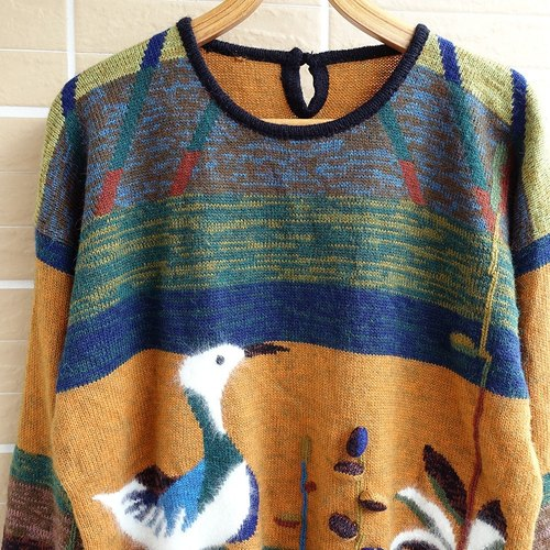 │Slowly │ Water - Ancient Sweater │ vintage. Retro.
