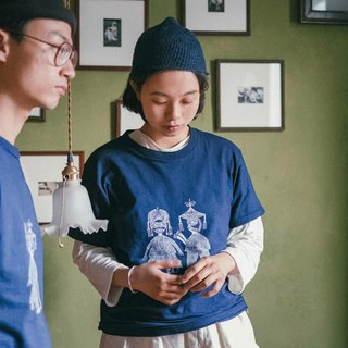 Storyteller | Indonesian long-staple cotton cotton totem men and women neutral couple models short-sleeved spring and summer T-shirt ancestors wisdom natural blue dyed batik plant dye | Nanshan trees dyed NAMSAN INDIGO