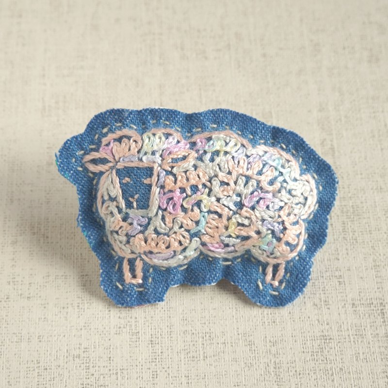 "the oriental zodiac brooch with hand embroidery ""sheep"" [order-receiving production]"