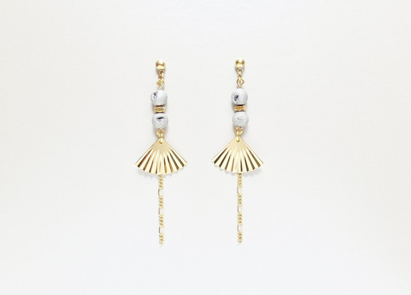 Geisha Serenade Geisha Memories - Ore Cluster Brass Earrings