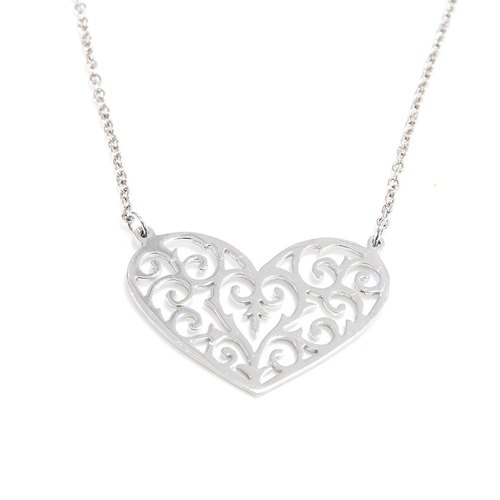 Decorative pattern in heart shape pendant