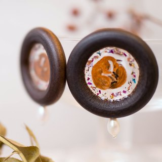 Little prince fox rose dry flower gold leaf hand-painted forest animal resin wood earrings