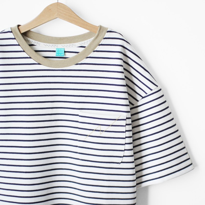 Thick cotton loose shoulder jacket khaki collar blue * white striped cotton lightning pocket Tee