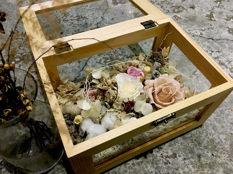 Time sealed glass wooden box eternal flower wedding / opening / new home / anniversary / home decoration