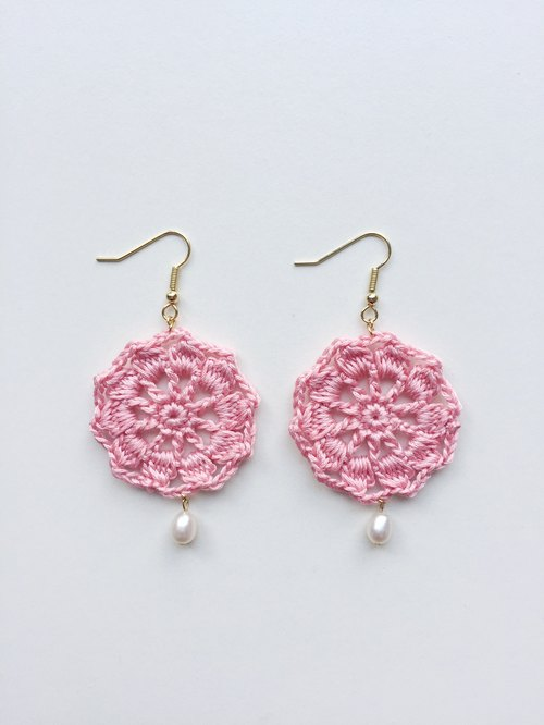 Monkey Monochrome Hand Knitting Flower Pearls Earrings Fresh Pink