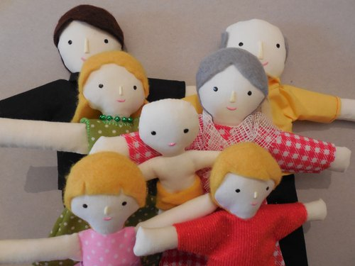 Family of dolls with light  skin color - Playset -  娃娃 - 雪人家庭 - Doll house