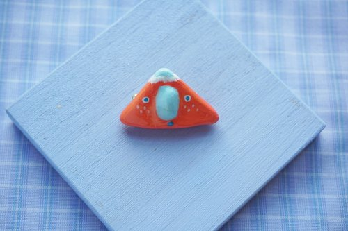 NEW / hachii pink orange red triangle pink blue nose stone plastic clay hand lapel needle