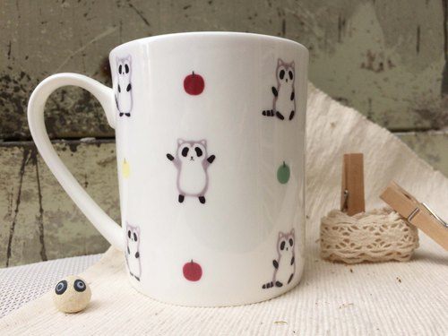 Bone China Mug - Dancing ~ Raccoon / Racoon / Apple / Cute / Microwave / SGS