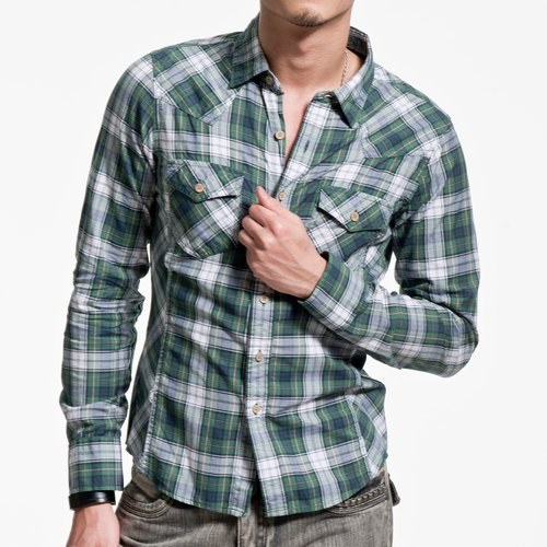 Green / white / blue color mixing plaid long-sleeved shirt wooden buckle