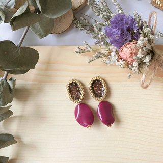 Blueberry hazelnut cake hand made dry flower earrings