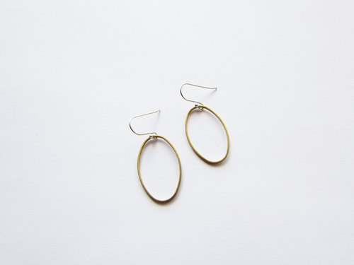 Classic geometric series - oval earrings