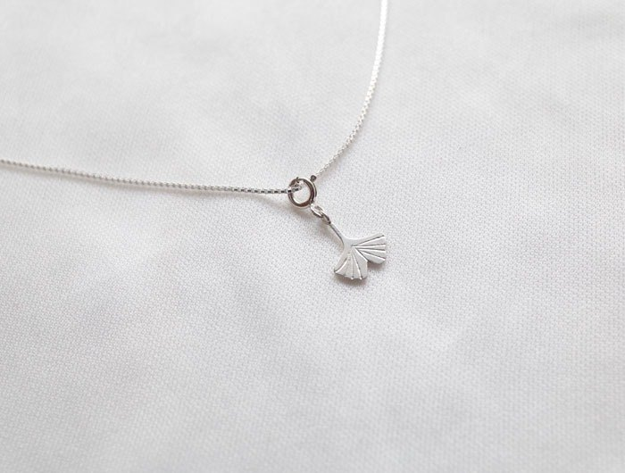 Ni.kou sterling silver ginkgo necklace