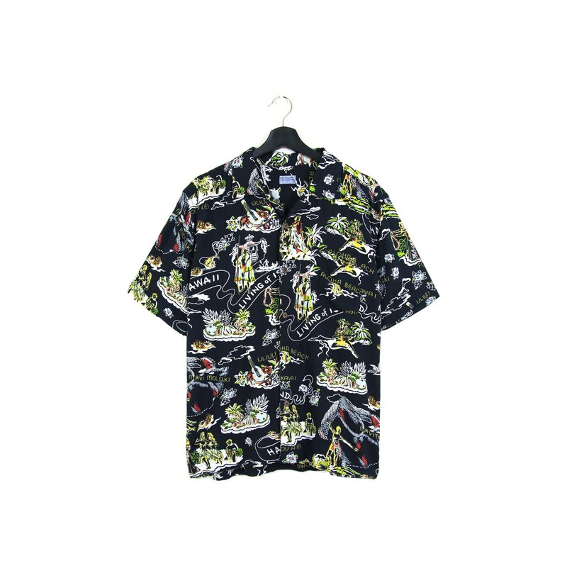 Back to Green :: style // men and women can wear // vintage Hawaii Shirts (H-39)