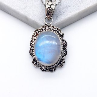 Moonstone Quartz heavy heart-shaped lace necklace made in Nepal handmade mosaic - Style 1