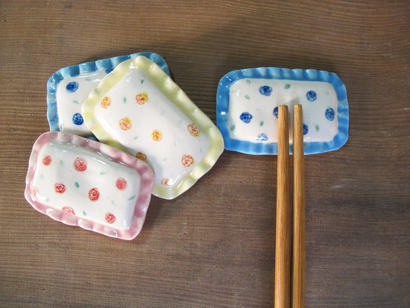Rose shape pillow chopsticks holder