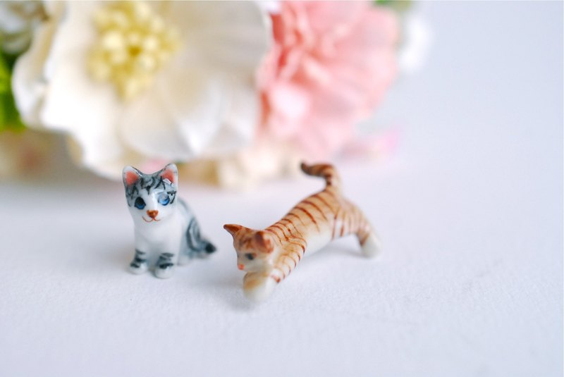 Miniature supplies, micro mini CATS, CATS miniatures, accessories for mini garden, accessories, deacoration paper flowers, terrarium