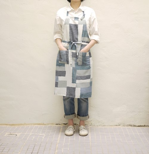 Abstract print linen apron for girls