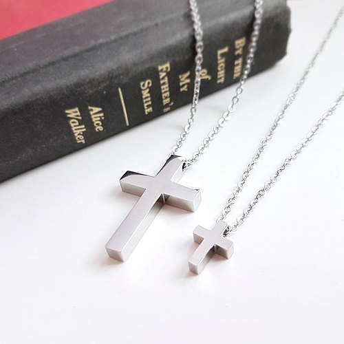 Belle blossoming belief cross cross Cross white steel necklace is not afraid of water does not change color