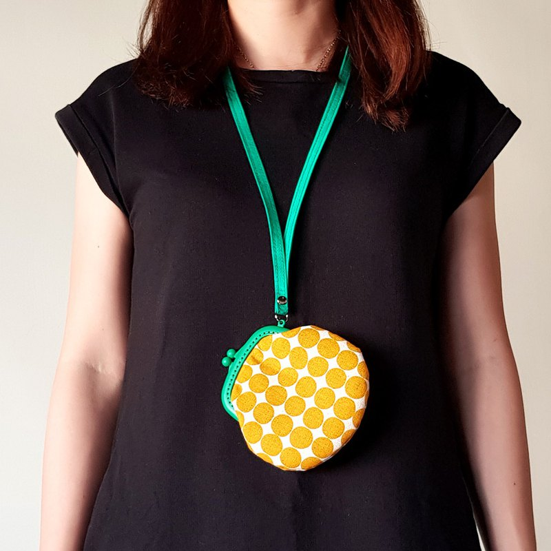 Retro little plastic mouth gold coin purse / yellow x green / increase