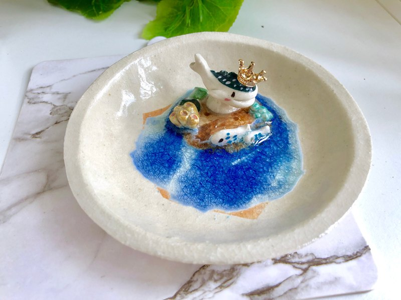 Whale Shark-Handmake Ceramic and glass Jewellery tray