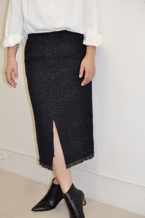 Flat 135 X Taiwan Designer Series Wool Fabric Over-the-Straight Pencil Skirt with English-Style Stripes