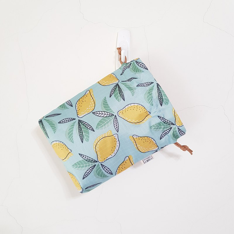 [Summer Light Lily] Bundle pocket storage bag with Christmas gift exchange