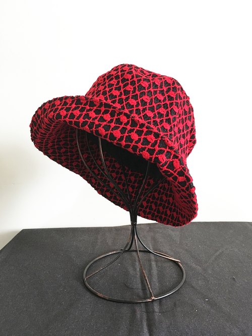 [] Red Shoes Qucky / heart hat