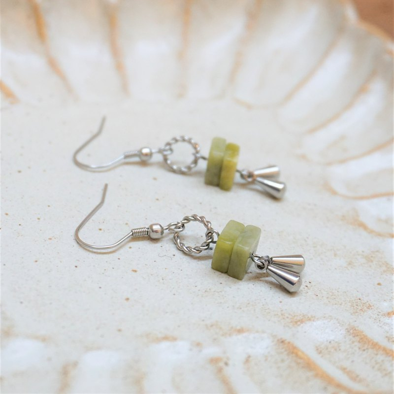 << Matcha Green Girl - Olive Jade >> Natural Stone Dangle Earrings (can be changed ear clip)