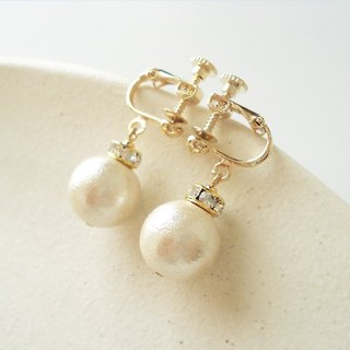 Cotton pearl and Rondelle Bead with Crystal Rhinestones, clip on earrings 夾式