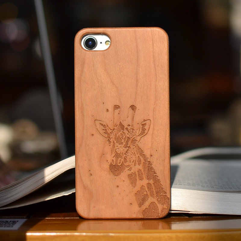 Personalized custom laser engraving giraffe natural iPhone 6 / 6s / 6 plus / 6s plus / 7/7 plus wood + green frosted plastic phone shell