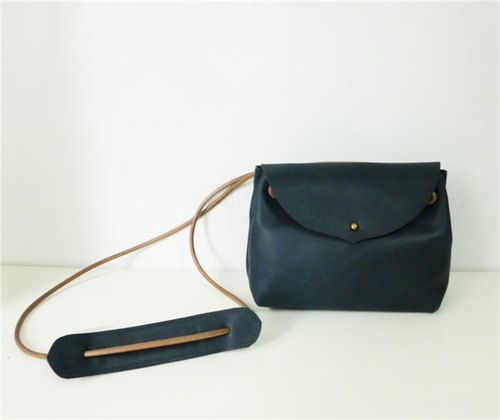 Mingen'Handiwork original handmade simple retro dark blue monk buckle buckle leather diagonal dumplings leather bag handbags PB16007
