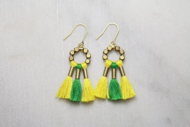 // VÉNUS fringed two-tone brass earrings Jamaica // ve172
