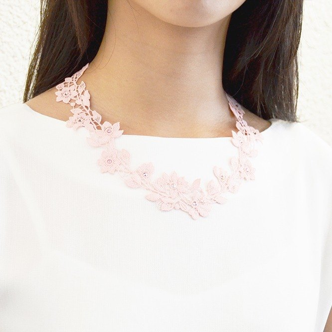 Early flower color diamond necklace - pink