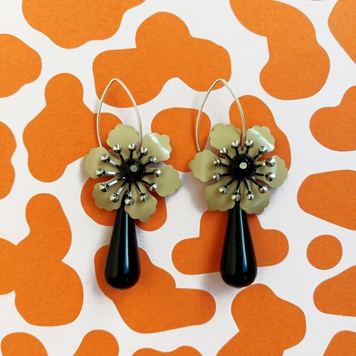 Flower Statement Earrings, Retro Style Drop Earrings, Beige Black Vintage Glam Earrings