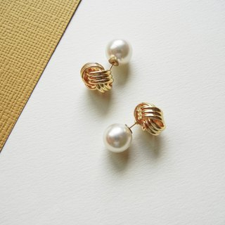 *coucoubird*staggered earrings (large pearl ear plug)
