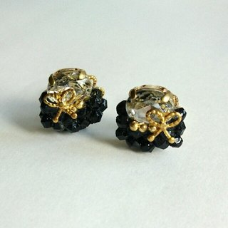 Black Petit size earrings (earrings)