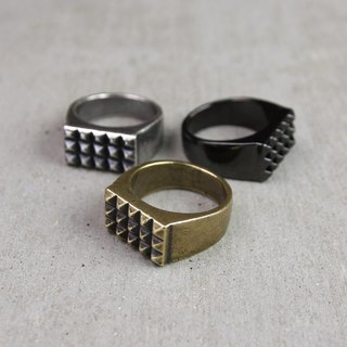 "[METALIZE] ""Punk Rivet"" Rivet Ring (Tricolor)"