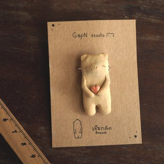 Bears little heart ceramics brooch