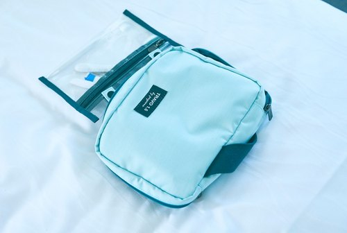 TRAVO 1.5 - TOILETRIES BAG - Angel Blue