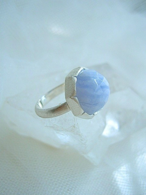 Blue lace · ring 13