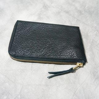Sienna leather coin purse is not full of wallets