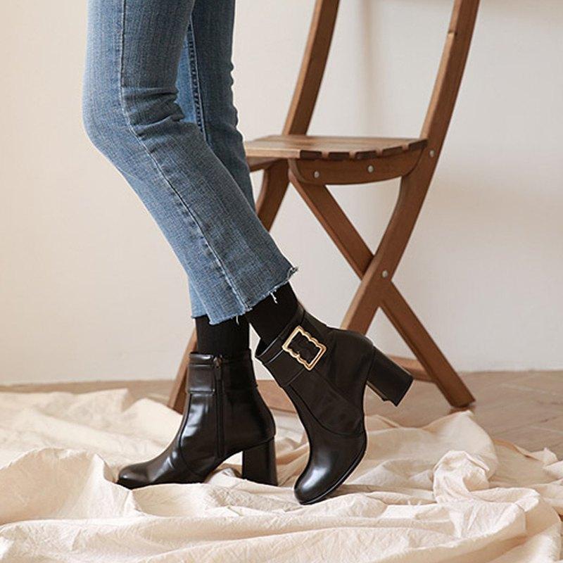 PRE-ORDER韓國人手製 MACMOC ZIGZIG (BLACK) 皮帶扣高跟短靴