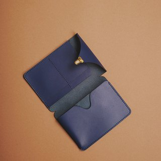 Vegetable tanned passport case fate navy blue passport case
