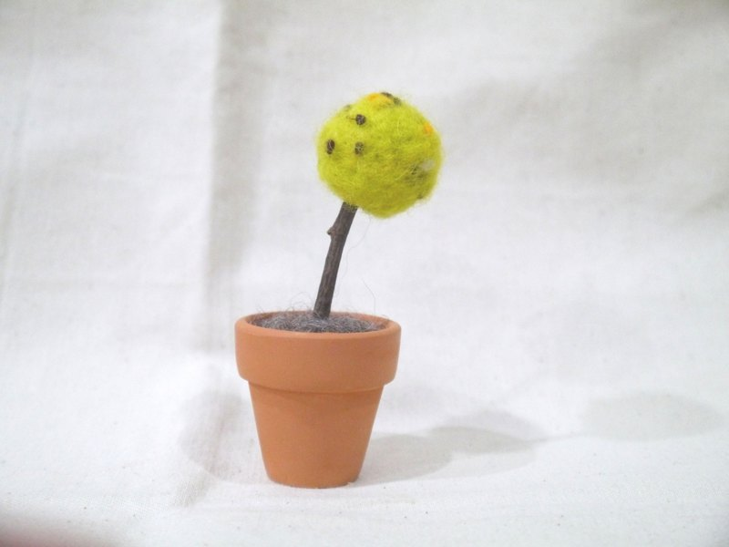 | Wool felt | potted trees