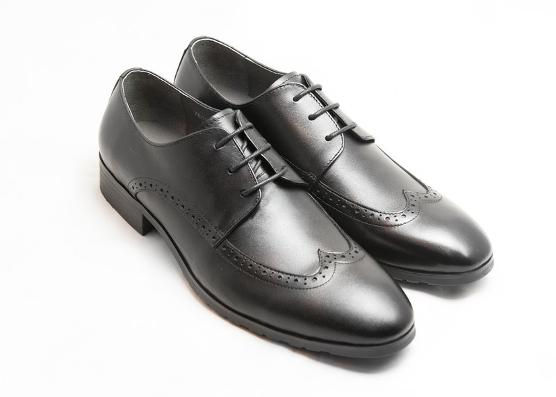 Hand-painted calfskin leather with wood-trimmed Derby shoes - Black - Free Shipping - E1A13-99