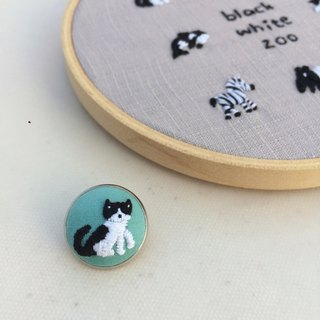 Cat black and white zoo hand embroidered pin