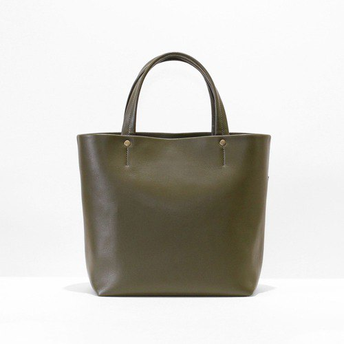 Ultra-lightweight, easy to organize inside pocket with tote bag khaki