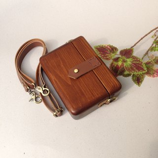 WT Wooden Bag - brown with dark wood