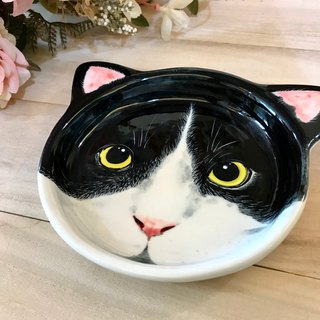 Birthday gift preferred black and white in the cat underglaze painted hand shaped tray