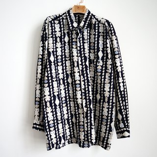 Pumpkin Vintage. Ancient totem print shirt